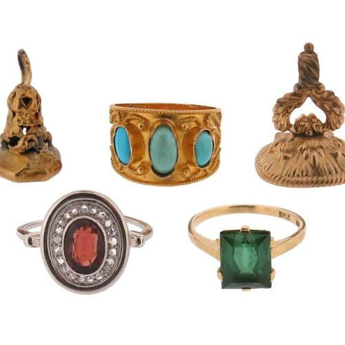 A collection of jewellery items, including a garnet and diamond cluster ring, si…