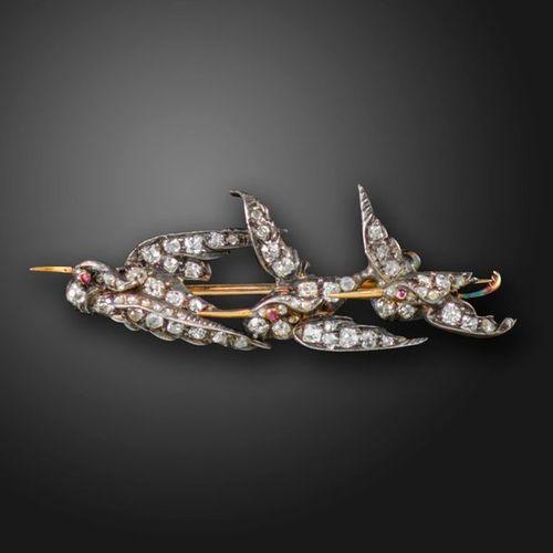 Une broche de la fin de l'époque victorienne sertie de diamants, les trois cigog…