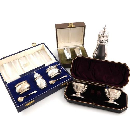 A mixed lot of silver items, various dates and makers, comprising: a sugar caste…