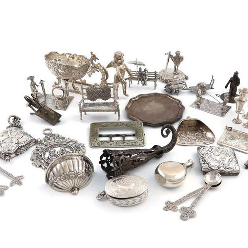 A mixed lot of silver and metalware miniatures, various countries, dates and mak…