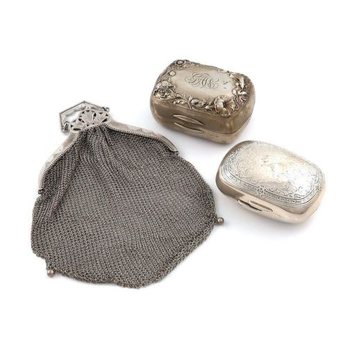 A mixed lot of American silver items, comprising: a soap box, by Tiffany & Co, r…