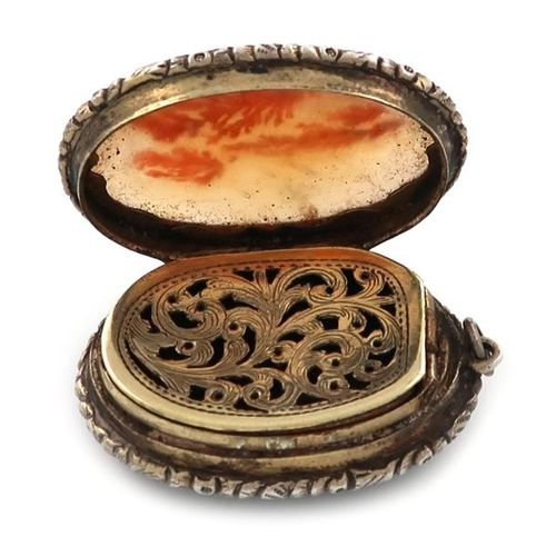A 19th century silver gilt and agate vinaigrette, unmarked, circa 1830, oval for…