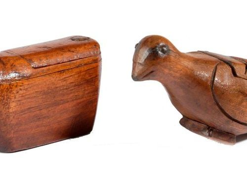 A RARE TREEN COW SNUFF BOX 19TH CENTURY with a red painted tongue and a double s…