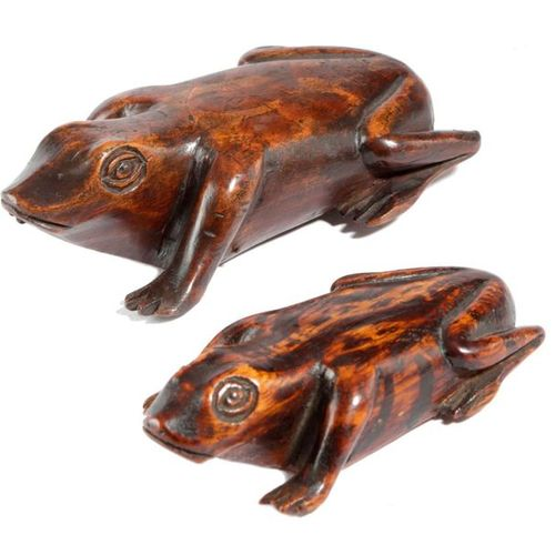 TWO TREEN FROG SNUFF BOXES MID 19TH CENTURY the larger one a table snuff box, ea…
