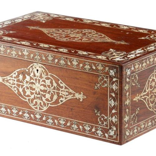 ? A FRENCH ROSEWOOD JEWELLERY BOX C.1850 60 inlaid with brass and ivory, with sc…