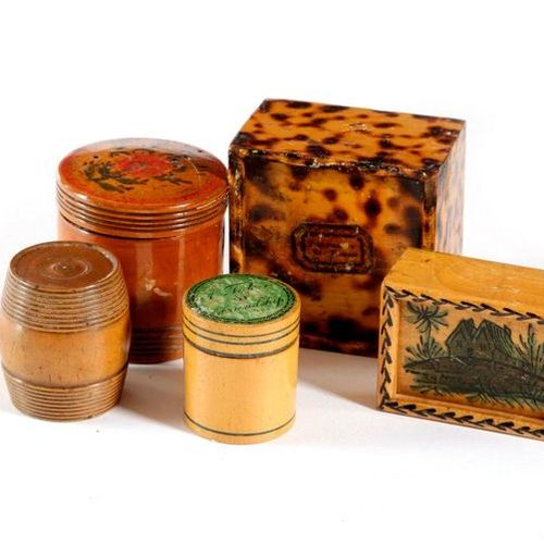 FIVE SMALL REGENCY SYCAMORE BOXES EARLY 19TH CENTURY comprising: an early Tunbri…