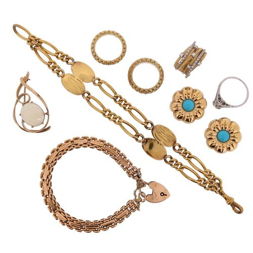 A group of jewellery, including a diamond solitaire ring, a 15ct gold bracelet, …