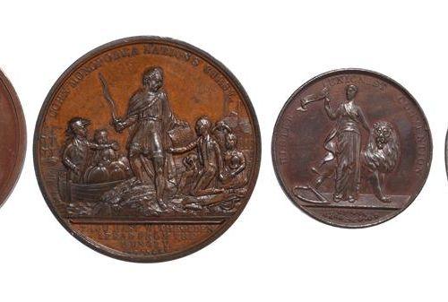 """四枚英国政治奖章。1832年改革法案,AE,51毫米,""""1832年人民在议会众议院的代表权的改革"""",在一个花环内,反面。自由向不列颠提交改革法案(E1254),…"""