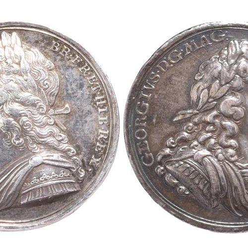 两枚乔治时期的纪念奖章。乔治一世:1714年登基,AR,34毫米,右装甲半身像,背面是国王加冕的不列颠(E 470),很好;乔治二世:1727年加冕,AR,34…