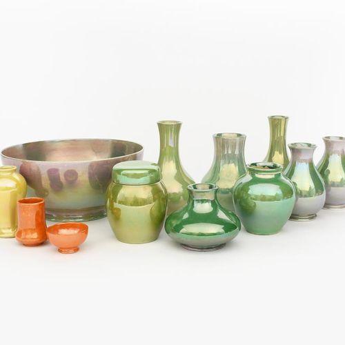 Un pot à gingembre et son couvercle en poterie Moorcroft conçus par William Moor…