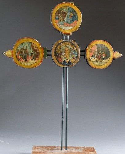 Icône cruciforme, double face. Composed of four medallions painted with scenes f…