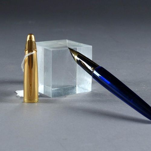 Waterman Paris. Fountain pen of the Edson model (created in 1993), sapphire blue…