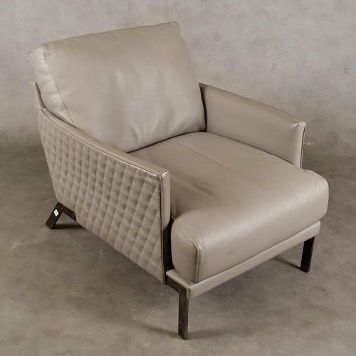 Fauteuil Design. Fully upholstered in grey leather. Steel frame. Condition: very…