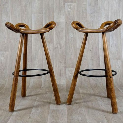 Carl Malmsten (1888 1972) Paire de Tabourets de bar. In beech and with black lac…