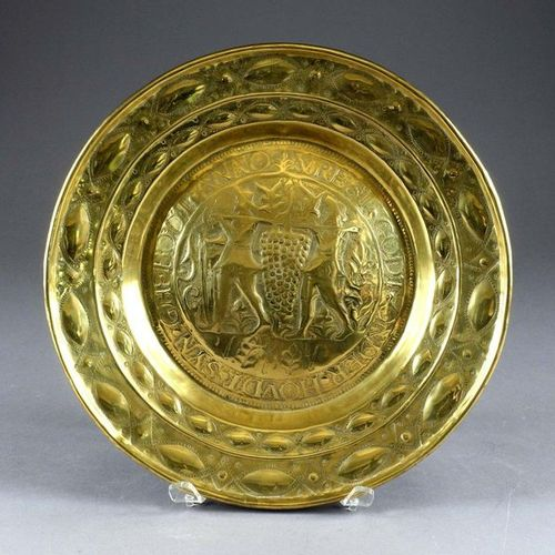 Plat à Offrandes. Decorated with a mystical wine press, surrounded by a ring wit…