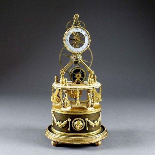 D'époque Louis XVI Pendule squelette. The movement is fixed on a marble terrace …