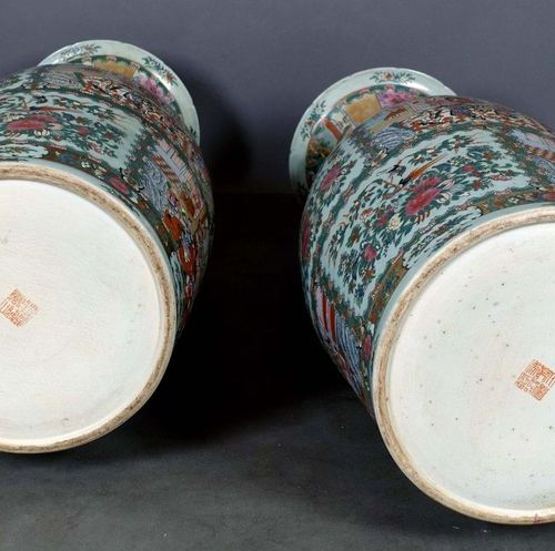 CANTON. Pair of important palace vases, baluster shaped, with the neck flanked b…