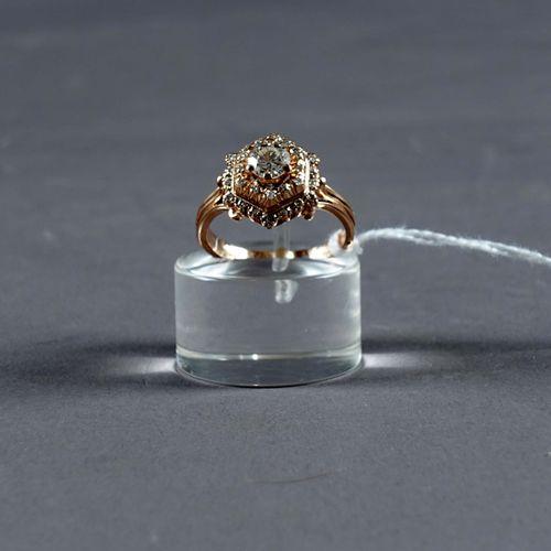Bague de Dame. Set with one brilliant cut diamond (approx. 0 carat 65) set in a …