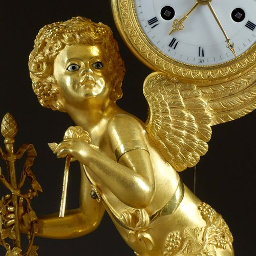 Pendule. Figurant Bacchus jeune, sur un modèle imaginé par Jean Simon Deverberie…