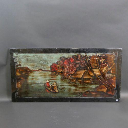 越南。带有湖泊景观的漆板。100 x 150厘米(罕见的破损和划痕)。