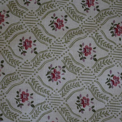 Deux paires de rideaux en lampas beige à motif de fleurs. Haut 320cm, Larg 90cm …