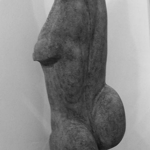 """LECLERCQ Kristel """"Inconnu"""" Marbre noir 90 x 20 x 10 cm socle Métal taille direct…"""