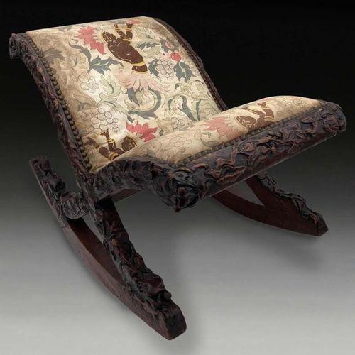 TRAVAIL FRANÇAIS Tabouret à bascule en bois mouluré sculpté, garniture de tissu …