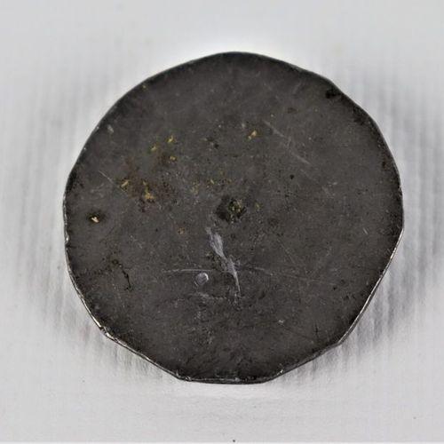 Chef modèle en plomb ? pour un bouton de vénerie anglais.  D_3 cm
