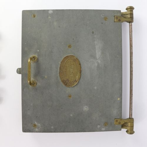 MEDICINE PHARMACY.  Metal and brass pillbox, plate of the Lenglen house in Paris…