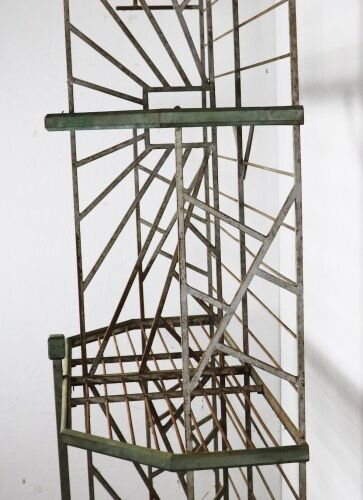 Baker's rack in lacquered wrought iron and metal.  Art Deco period.  H_230 cm W_…