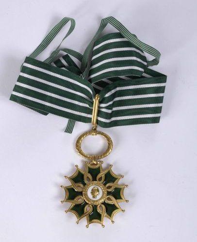 ETOILE DE COMMANDER de l'ordre des Arts et Lettres. Golden bronze, tie.