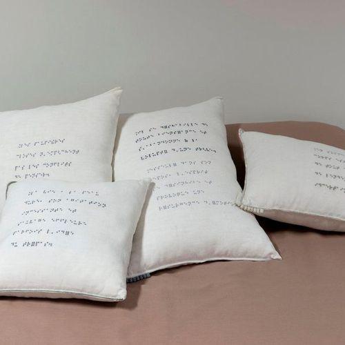 Cendres DELORT Collection Épitaphes Année de production : 2015 Matière : confect…