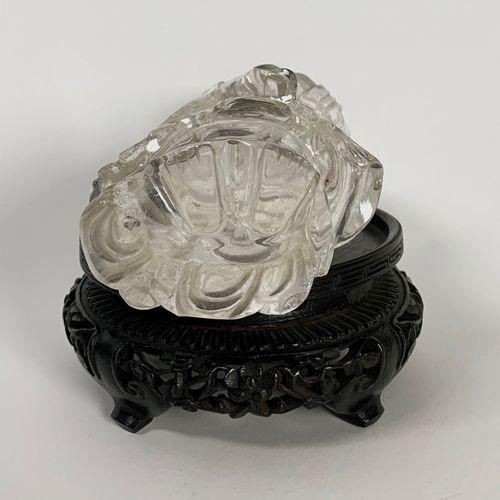 Statuette de Guanyin en cristal de roche  CHINE XIXE SIÈCLE  Statuette de Guanyi…