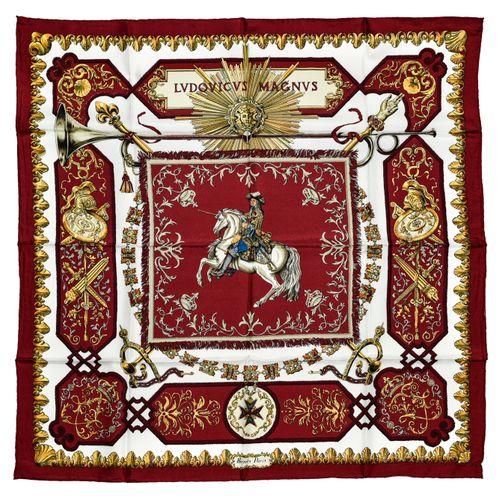 """Hermès Carré twill """"Ludovicus Magnus""""    Carré 90 cm en soie twill sur fond blan…"""