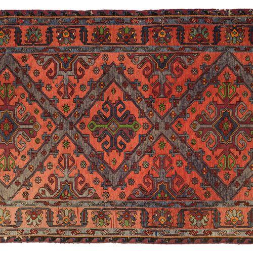 Tapis Kilim Soumak, Caucase Tapis Kilim Soumak, Caucase    Fond rouge, décor de …