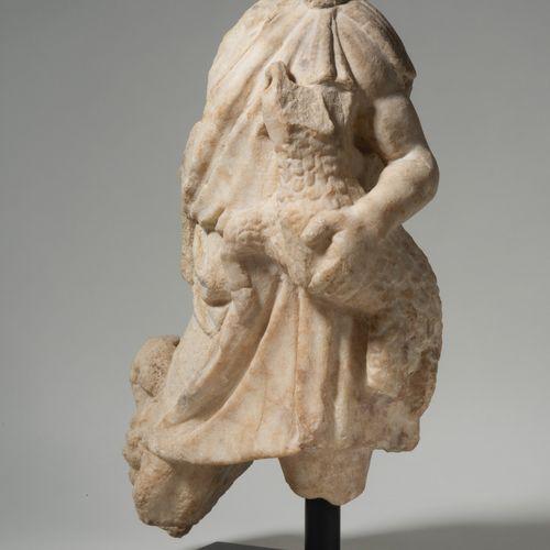 Fragment de statue représentant un jeune pâtre EMPIRE ROMAIN, IIE IIIE SIÈCLE  F…