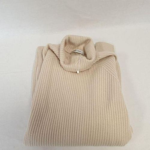 Max MARA     Long ribbed sweater in wool and cashmere ecru, chimney collar,…