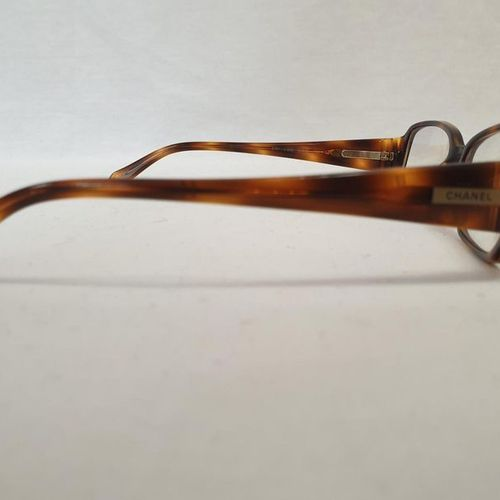 CHANEL 	 	 Pair of glasses, tortoiseshell temples. Original case. Place of depos…