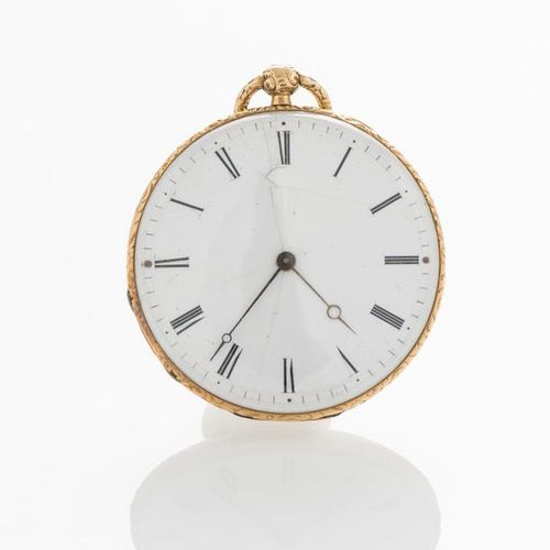Flat pocket watch with key, in 750 thousandths yellow gold, dial with Roman nume…
