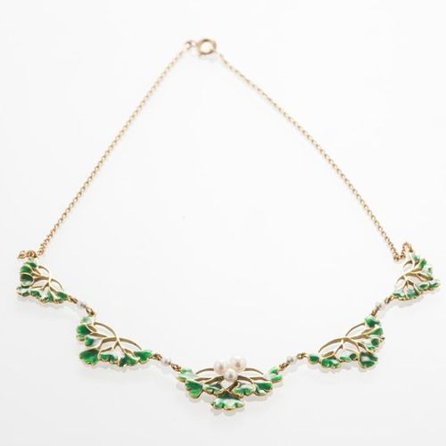 Necklace in 750 thousandths yellow gold decorated with enamelled Gingko biloba l…