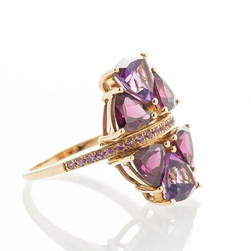 750 thousandths yellow gold ring set with 6 amethysts and rhodolites separated b…