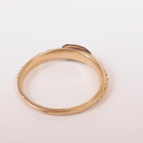 Yellow gold ring 750 thousandths to masonic enamelled with two hands joined TDD …