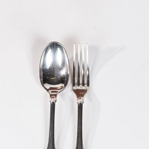 Ménagère en argent poinçon Minerve comprenant 112 pièces dont : 12 fourchettes, …