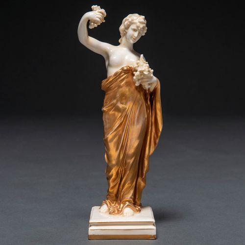 """""""Allégorie de l'automne"""" Figure sculpturale en porcelaine allemande de Passau, B…"""
