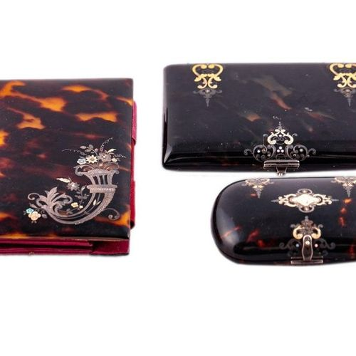 TAHAN  Wallet in tortoiseshell with gold and silver inlays.  Original label. 8 x…