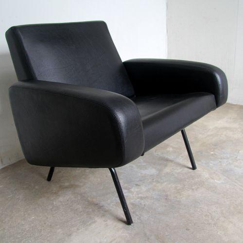 Pierre PAULIN (1927 2009). Armchair CM 169, black tubular metal base, wooden fra…