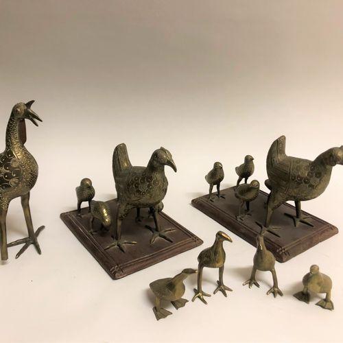 AFRIQUE. Ensemble d'oiseaux en bronze doré. Haut. Max: 19 cm.
