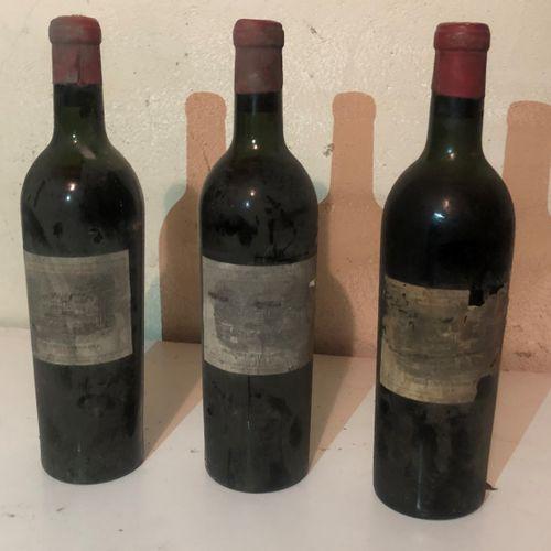 3 bouteilles CHÂTEAU LAFITE ROTHSCHILD (H.E.) 1948. Une etiquette abimé.