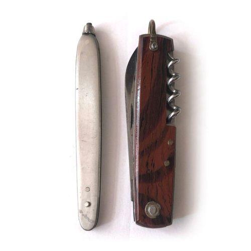 Couteau de poche pliant, à trois lames, un ouvre boite, poinçon, tire bouchon. F…
