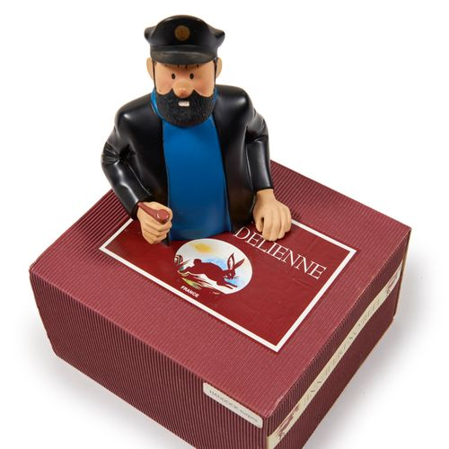 Leblon Delienne Haddock Surpris: Figurine représentant le capitaine Haddock, un…